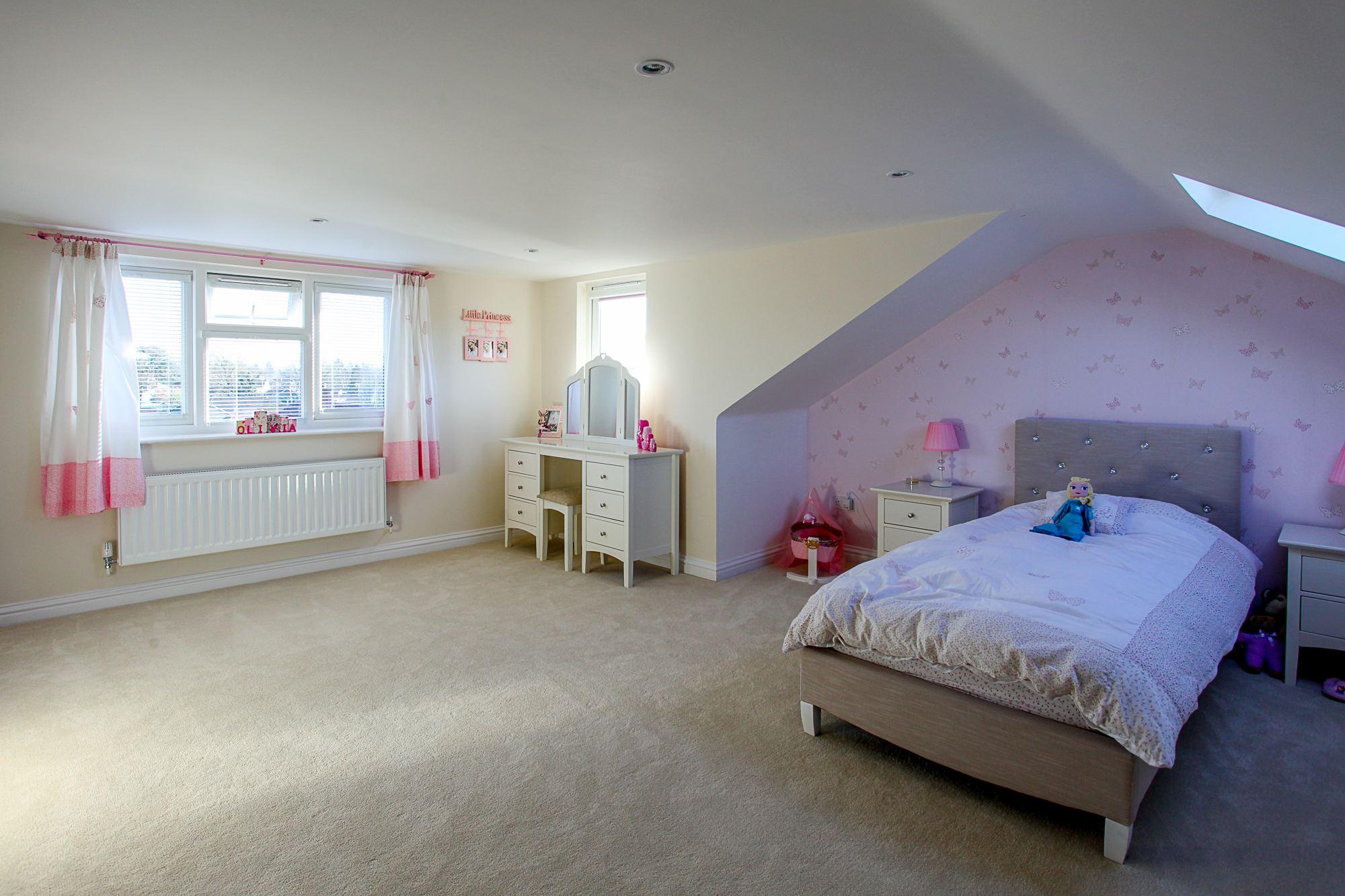 Hip to gable rear dormer camberley surrey skylofts for Skylofts 1 bedroom loft suite